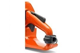 Проушина для крепления троса к рукоятке любой конструкции бензопилы, для работы на вышке